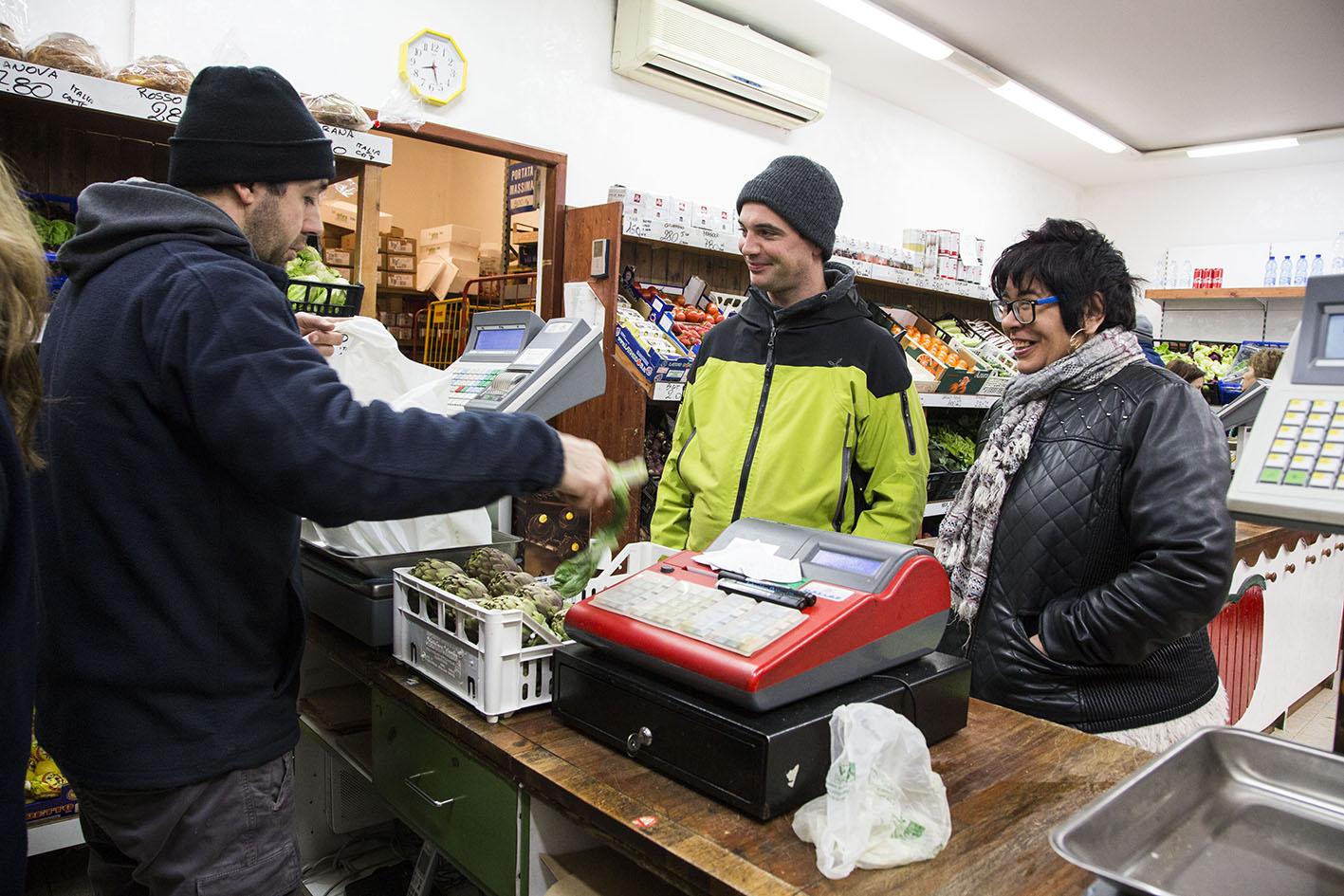 """il laboratorio di cucina sana e consapevole della cooperativa lavoratori uniti """"Franco Basaglia"""""""