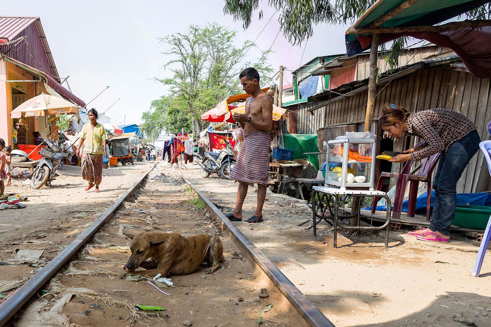 slum-in-Phnom-Penh---cambodia002