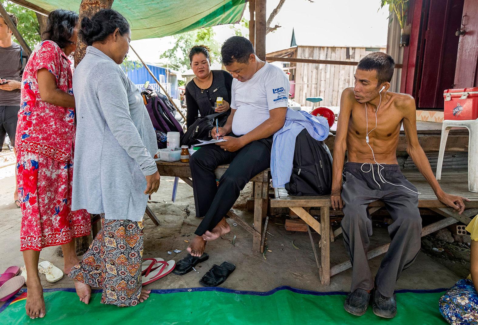 slum-in-Phnom-Penh---cambodia003