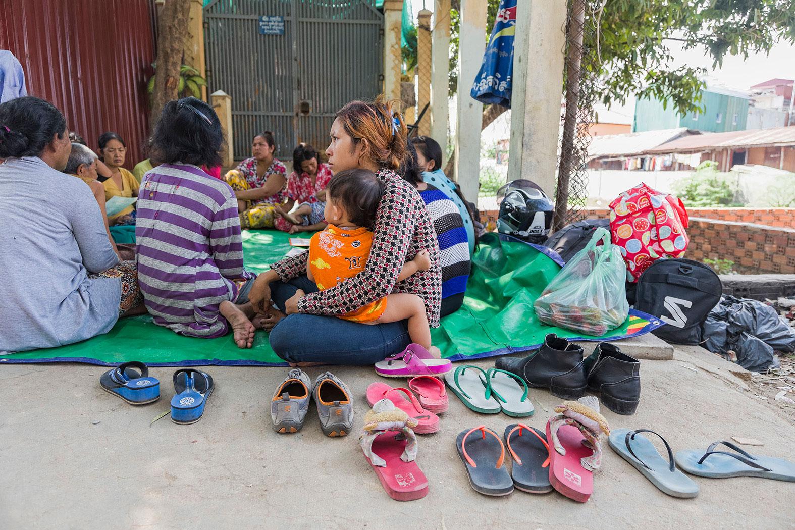 slum-in-Phnom-Penh---cambodia014