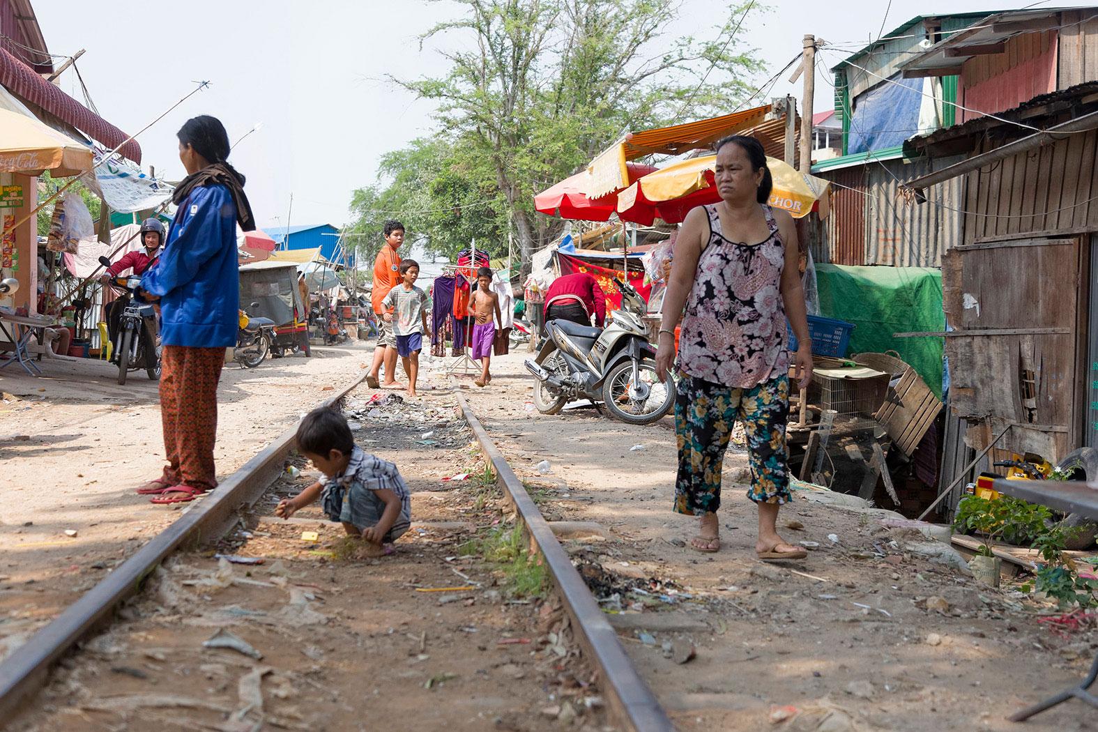 slum-in-Phnom-Penh---cambodia018