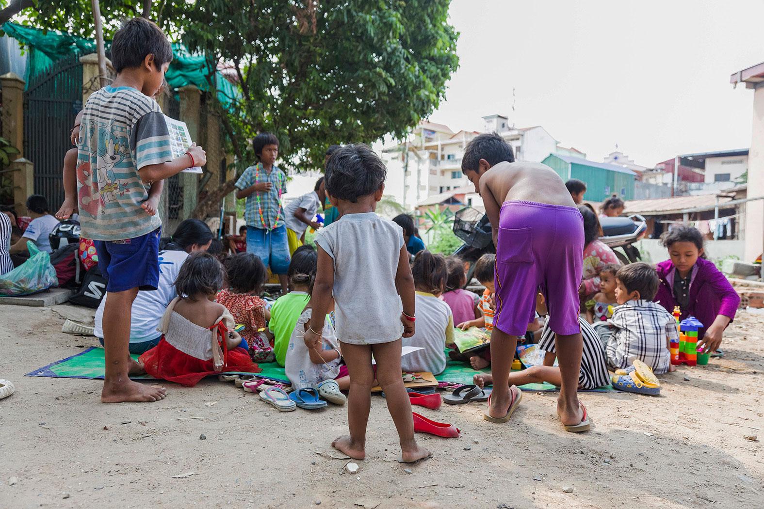 slum-in-Phnom-Penh---cambodia021