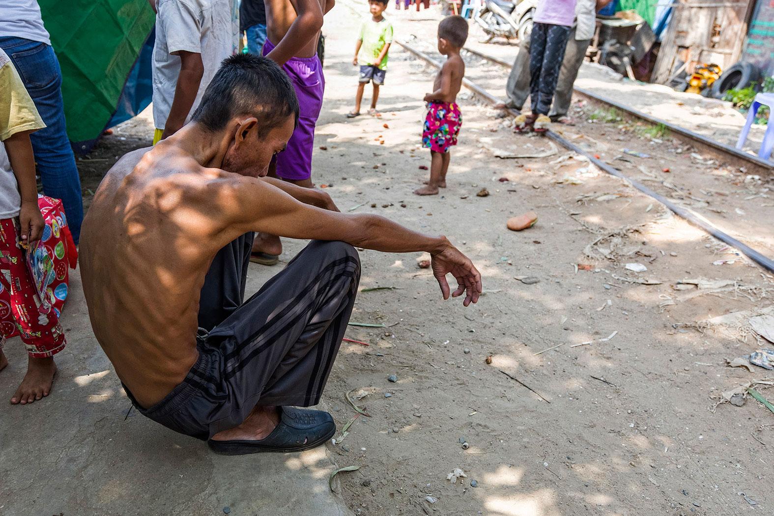 slum-in-Phnom-Penh---cambodia024