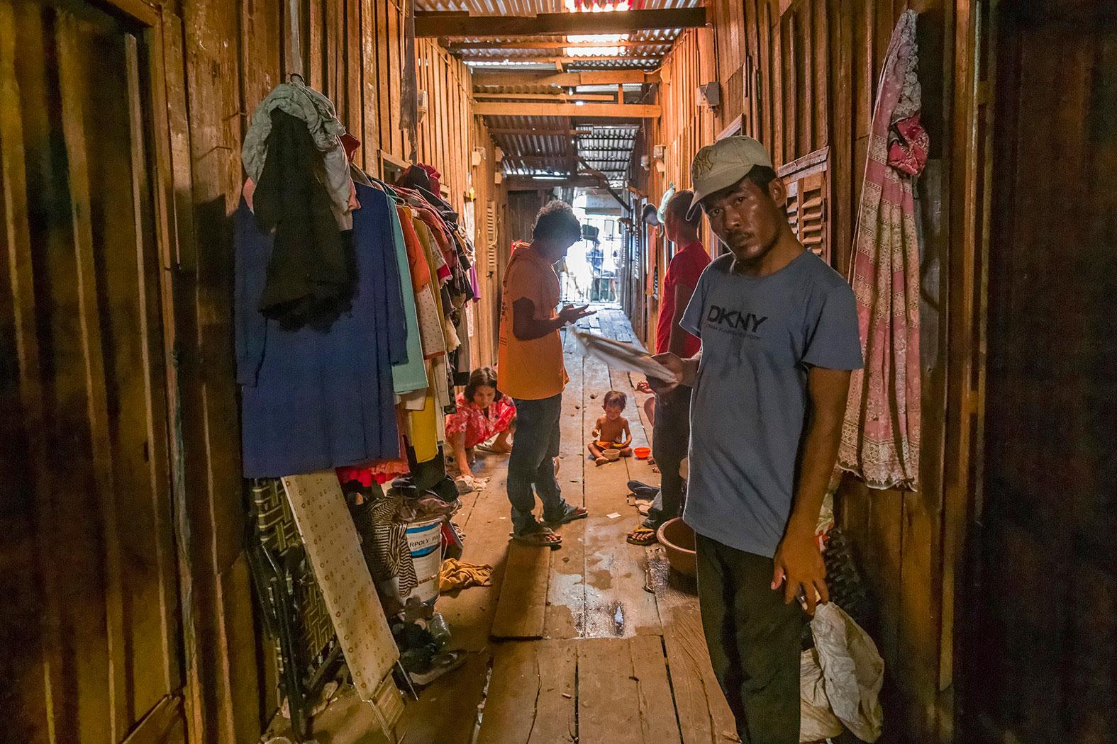 slum-in-Phnom-Penh---cambodia033