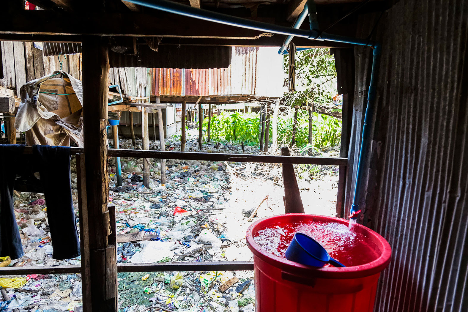 slum-in-Phnom-Penh---cambodia040